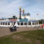 Fahrgastschiff am Prerow-Strom