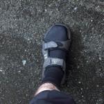 Trekkingsandalen mit Neoprensocken hielten die Füße beim Furten warm