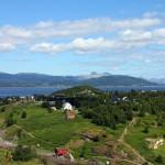 Blick von der Brücke auf den Fjord