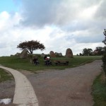 Steinzeitdenkmal mit Helmut