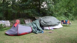 Zelte der lauten Nachbarn