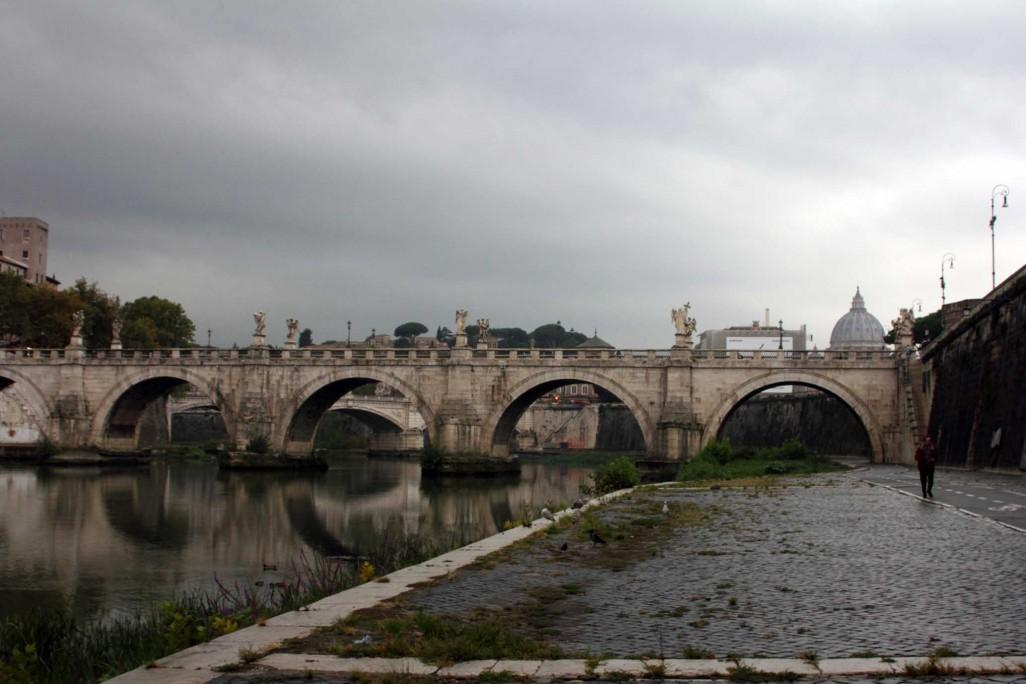 dunkle Wolken über Rom